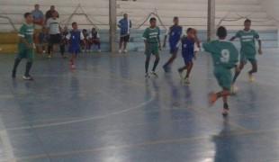 Escolinha de Futsal da Prefeitura recebe equipes de Iporanga para amistosos no Caraguava
