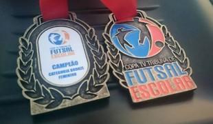 Equipe feminina de Peruíbe é campeã da Copa TV Tribuna 2015