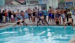 Festival de Natação garante disputas emocionantes na piscina municipal