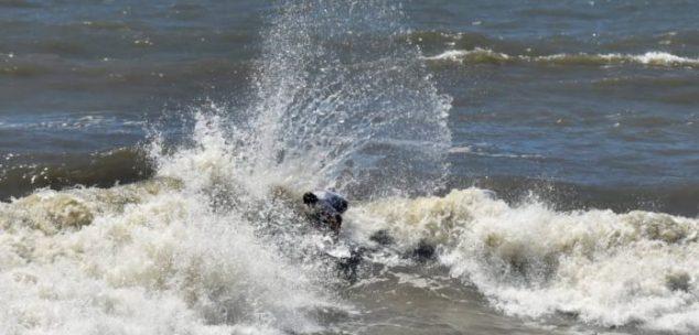 Campeonato de surf teve decisão em Peruíbe